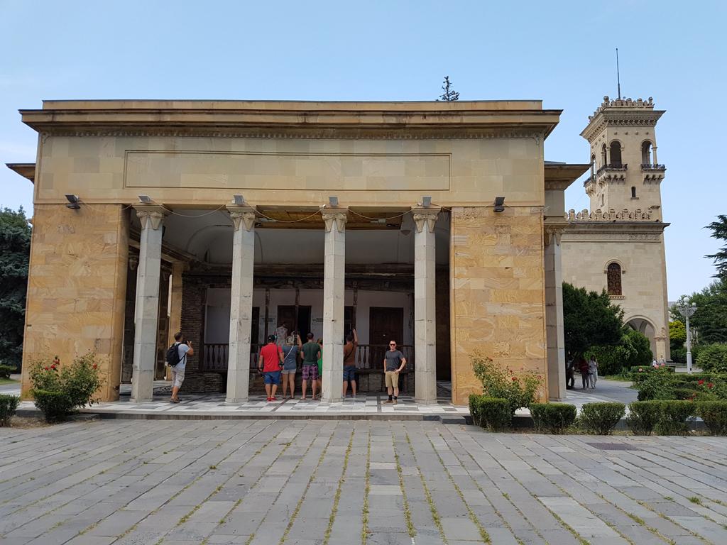 Tempel über Geburtshaus von Stalin