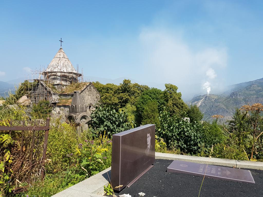 Das Kloster Sanahin. Interessant: Auf Grabsteinen ist immer das Bild des verstorbenen zu sehen