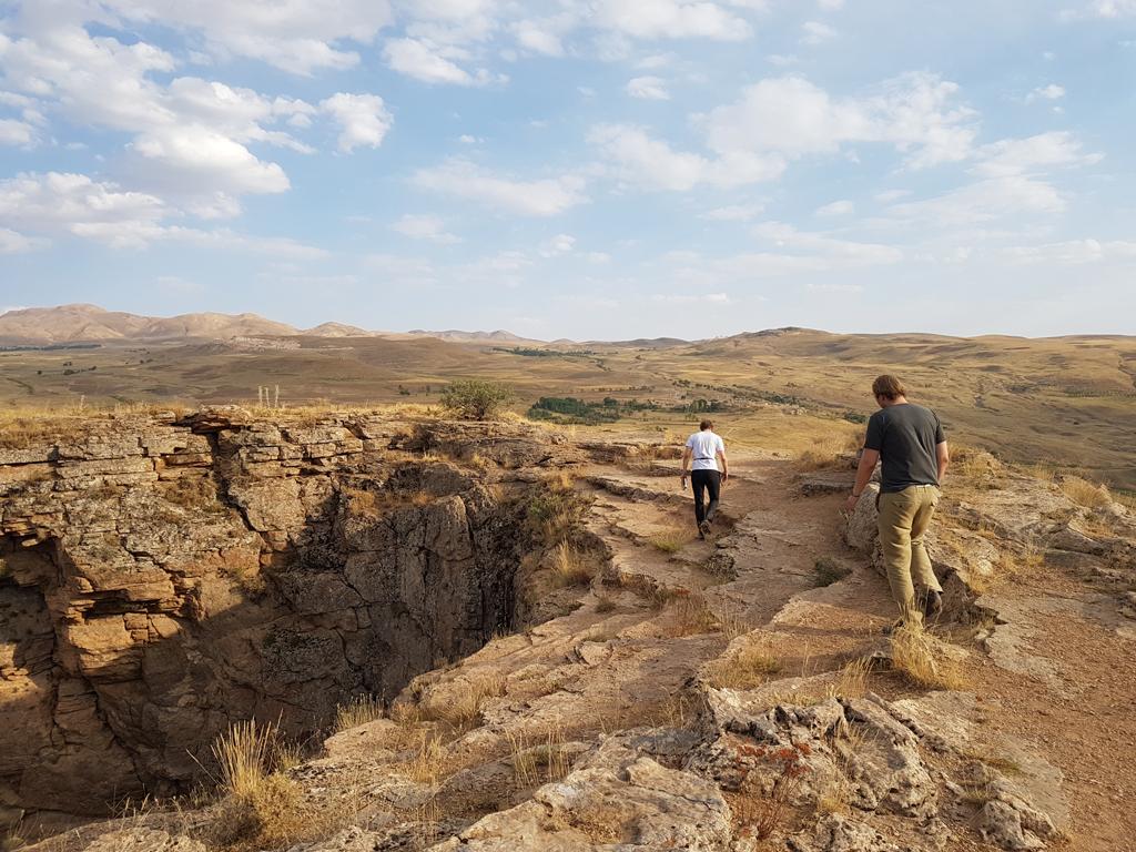 Am Krater des Zedans