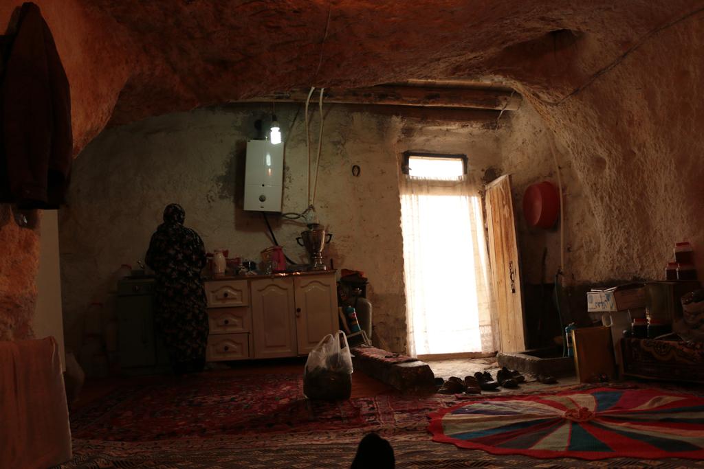 Im Inneren der Höhlenhäuser - Teepause