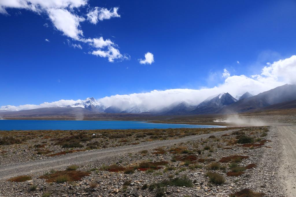 Ein See vor der Himalaya-Region
