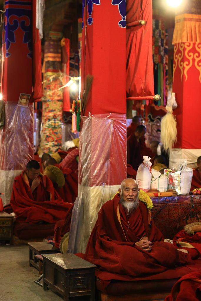 Mönche im Drepung-Kloster in Lhasa