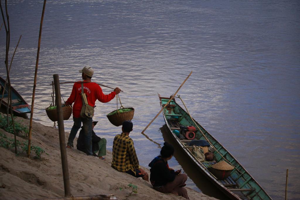 Das einfache Leben auf dem Land. Der Fluss ist Hauptverbindungsader