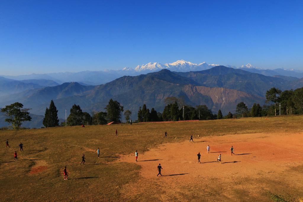 Fußballplatz in Kalimpong - Wie kann man sich hier aufs Fußballspielen konzentrieren?