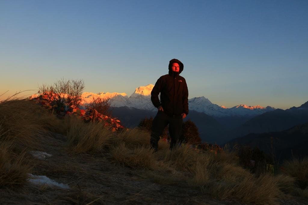3. Etappe: Ghorepani - Birethanti (22km). Auf den Poonhill sahen wir zum Sonnenaufgang einen weiteren 8000er, den Dhaulagiri (8167m)