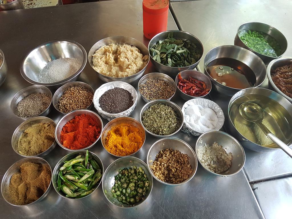 Zeit für einen Kochkurs. Jetzt kenne ich ein paar indische Gerichte :)