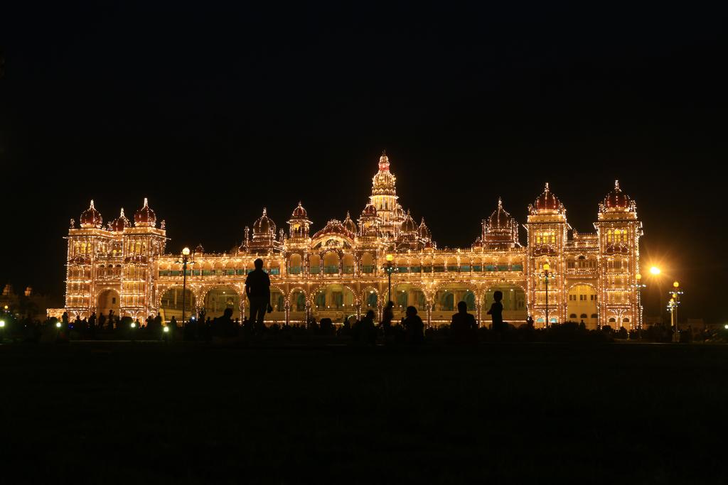 Angeknippste Lichter am Palast...