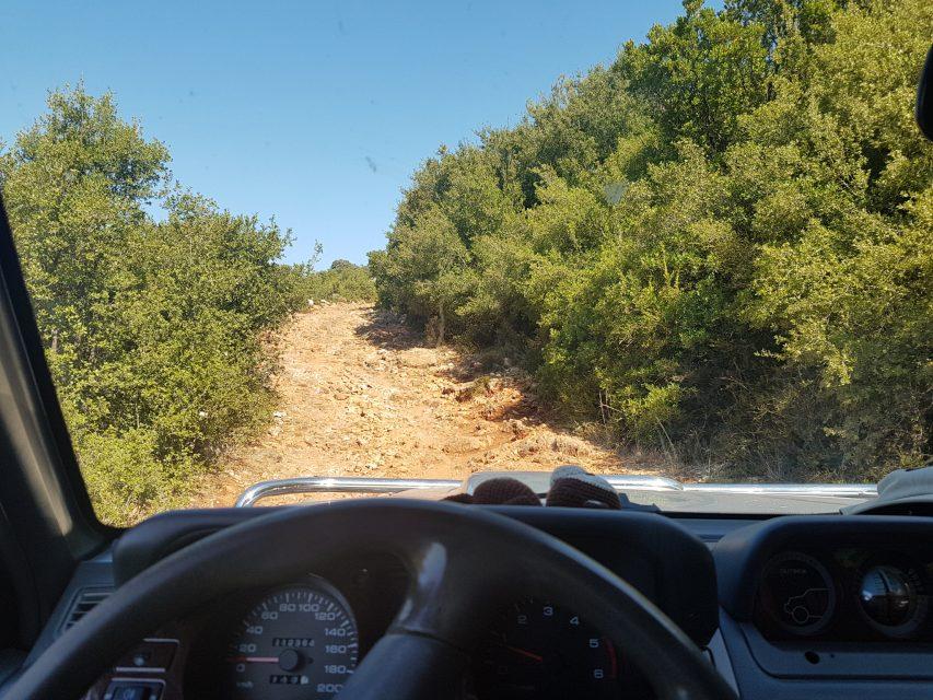 Kann nur mit dem Geländewagen bewältigt werden - Der Weg zum Gjipe Beach